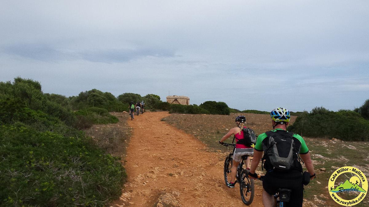 Über Trails zum Castell Punta de N Amer