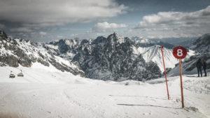 Dein erster Skiurlaub: Alles zu Planung, Buchung und Anreise