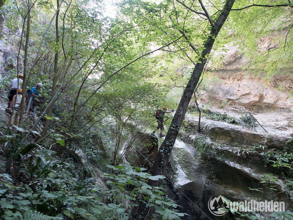 Rio Sallagoni Klettersteig Dreiseilbrücke