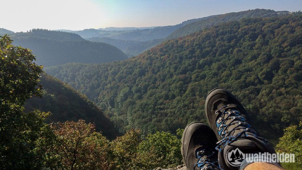 Westerwaldsteig Lowa Aussicht aufs Wiedtal