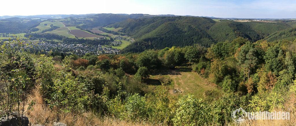 Westerwaldsteig Ausblick vom Roßbacher Häubchen