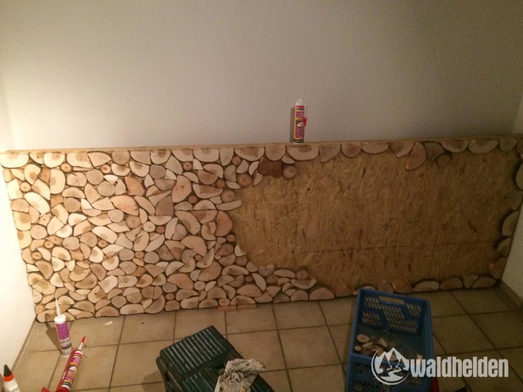 Holzstapel bekleben