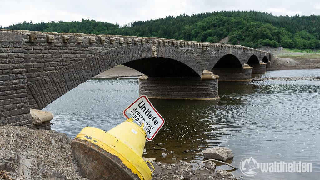 Edersee Atlantis Bilder - Die alte Aseler Brücke