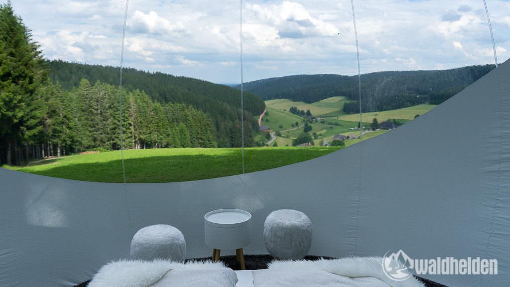 Glamping im Schwarzwald Ausblick aus dem Bubble Tent
