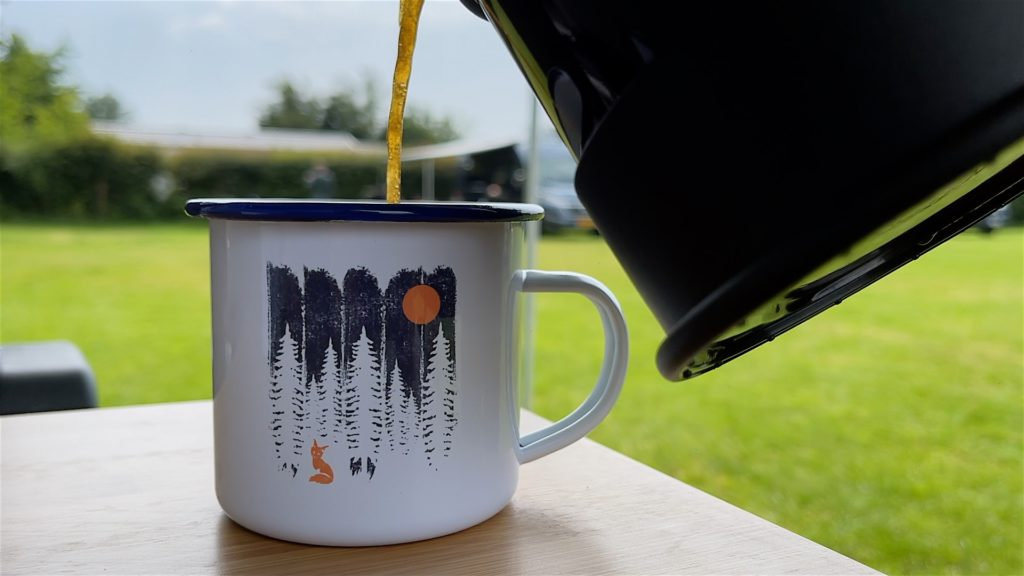 Unsere neuen Holzbrüder Tassen. Da schmeckt der Kaffee gleich noch mal so gut!